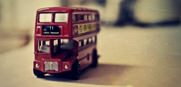 old_english_bus_toy-wallpaper-1280x800